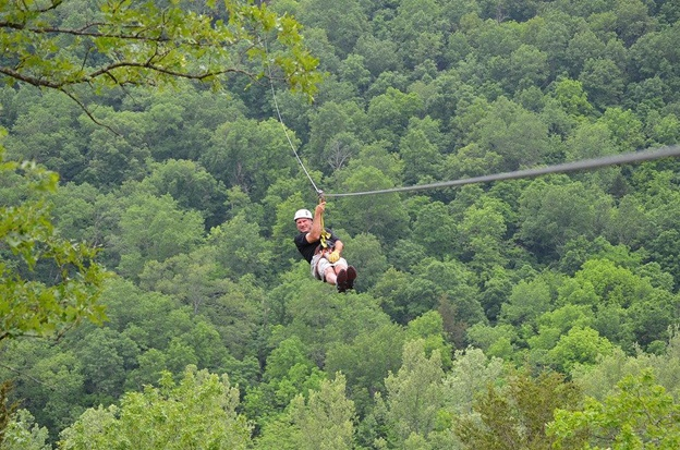 Zip Line Usa Is A Great Fun Place Which Offers The Longest Zipline Ride With Highest Cables In Branson This Wonderful Vacation Spot Has 9 Ziplines