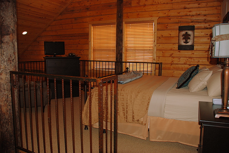 Gallery 2 bedroom loft branson cabin rentals for 2 bedroom lofts